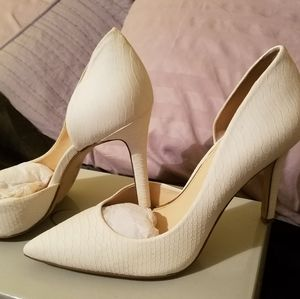 Jessica Simpson Claudette Snakeskin Heels Size 9.5